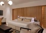 Standard-room-setai-1